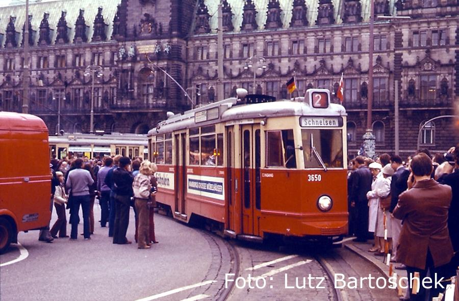 Straßenbahn am Rathausmarkt